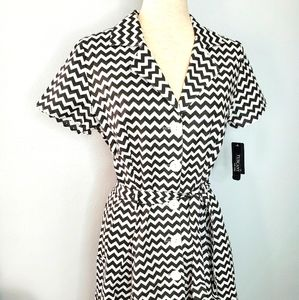 Black and white dress sz 14 abstract patte…